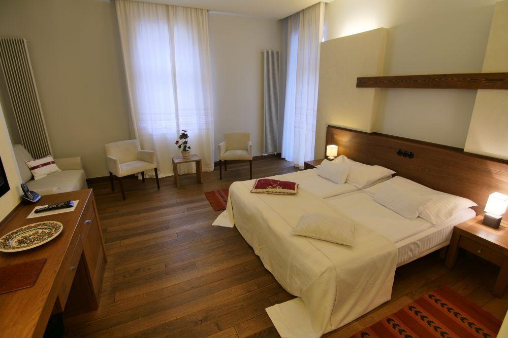 Az erdélyi Hotel Pacsirta**** új szárnyának generálkivitelezése-vendégszobák