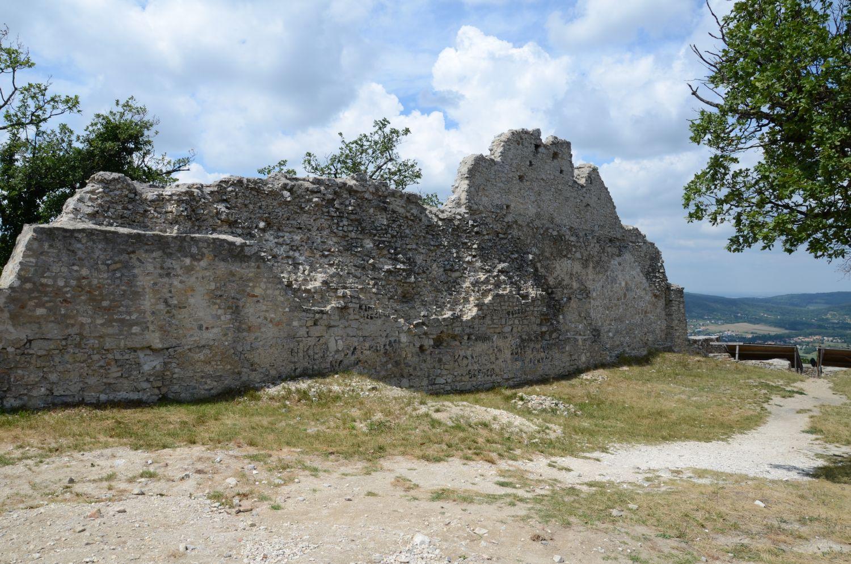 A rezi vár rekonstrukciója