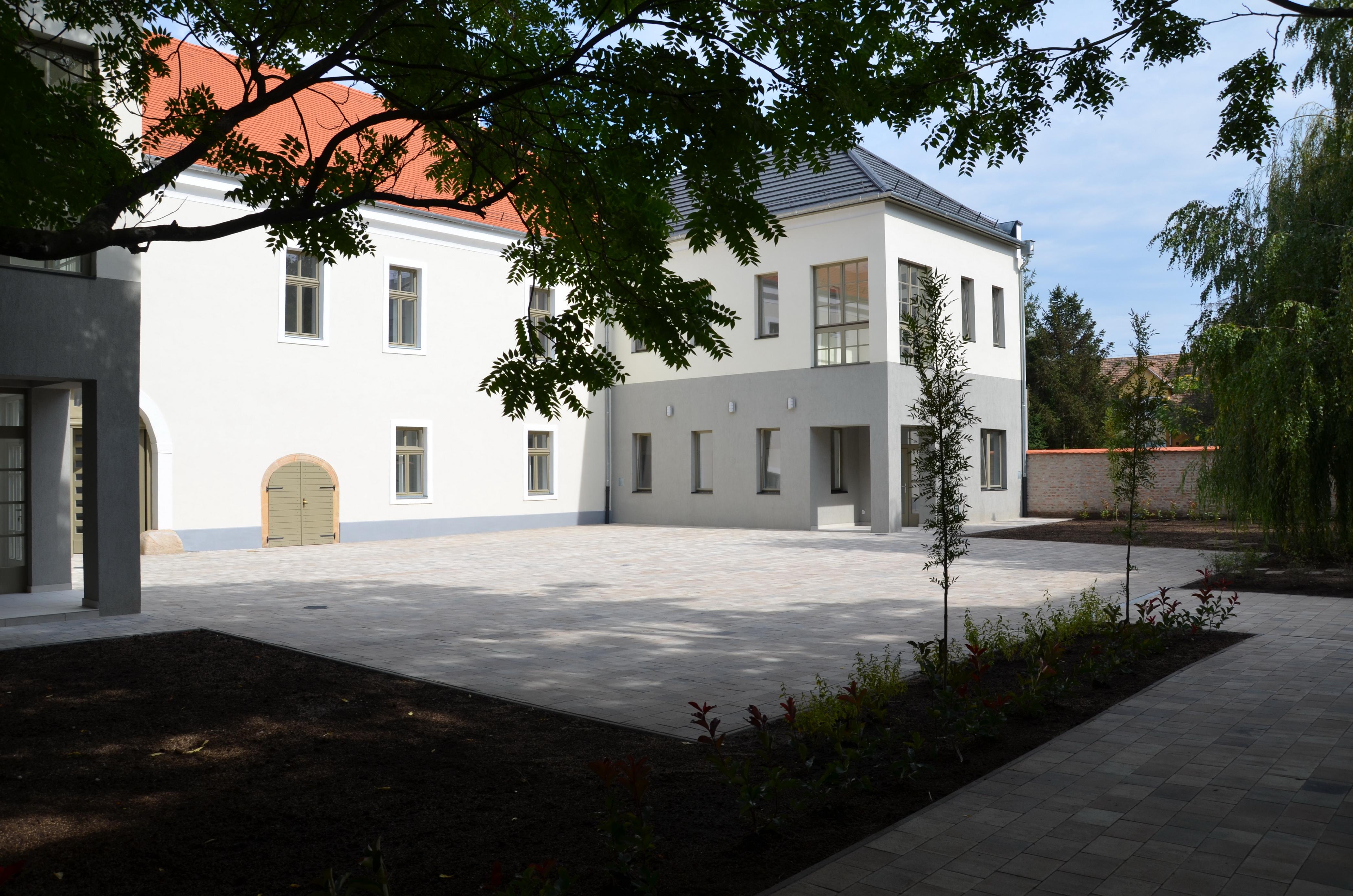 A Hatvany Lajos Közérdekű Muzeális Gyűjtemény rekonstrukciója, új épületrész építése