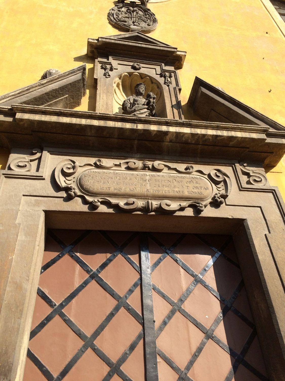 Pápai ferences kolostor tetőfelújítási munkái és szerkezeti megerősítése