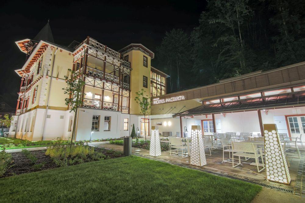 Az erdélyi Hotel Pacsirta**** új szárnyának generálkivitelezése-vendégszobák, wellness részleg