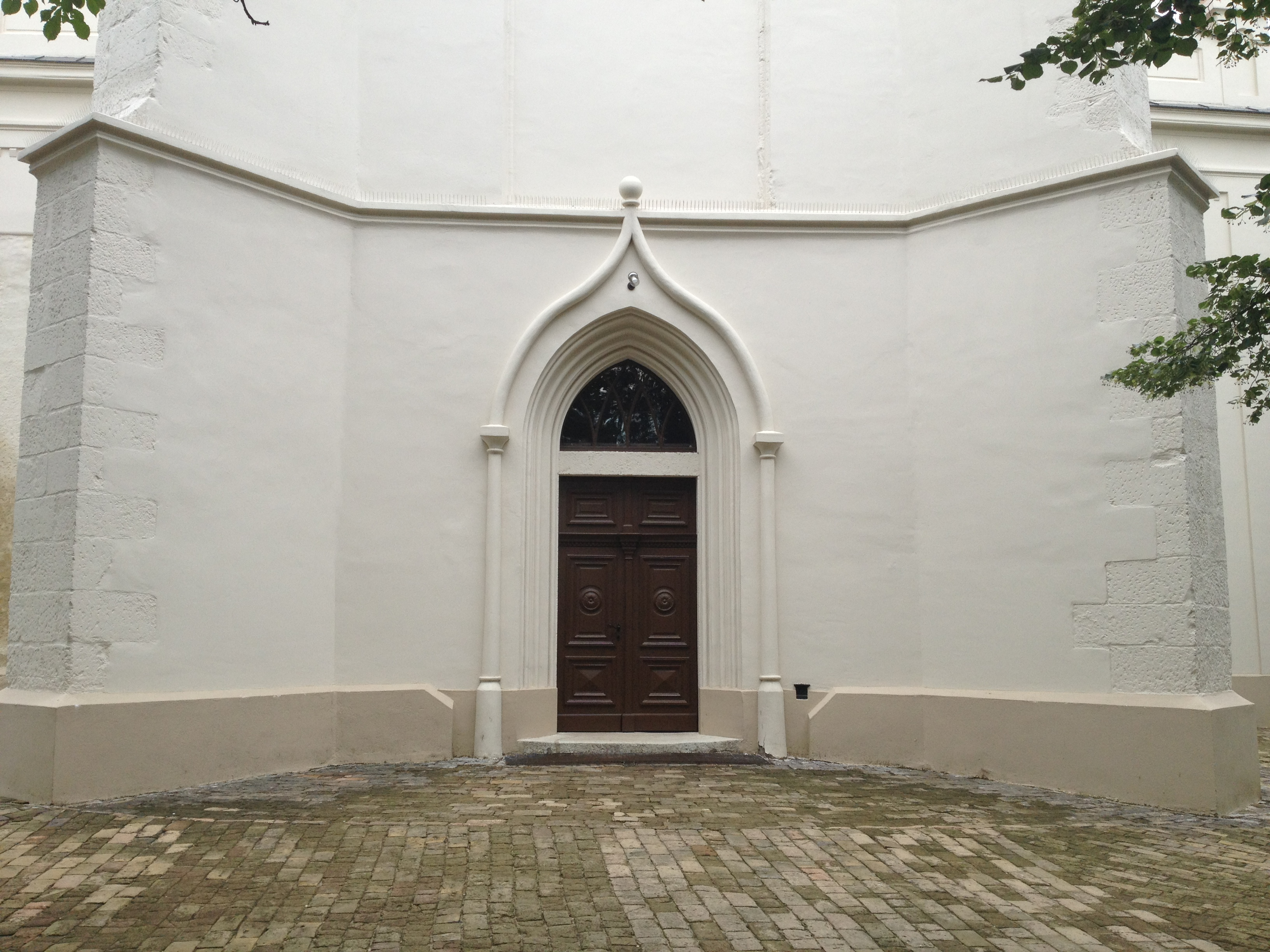 Nagykőrösi Református Templom műemléki épület magasépítési rekonstrukciója-új bejárat