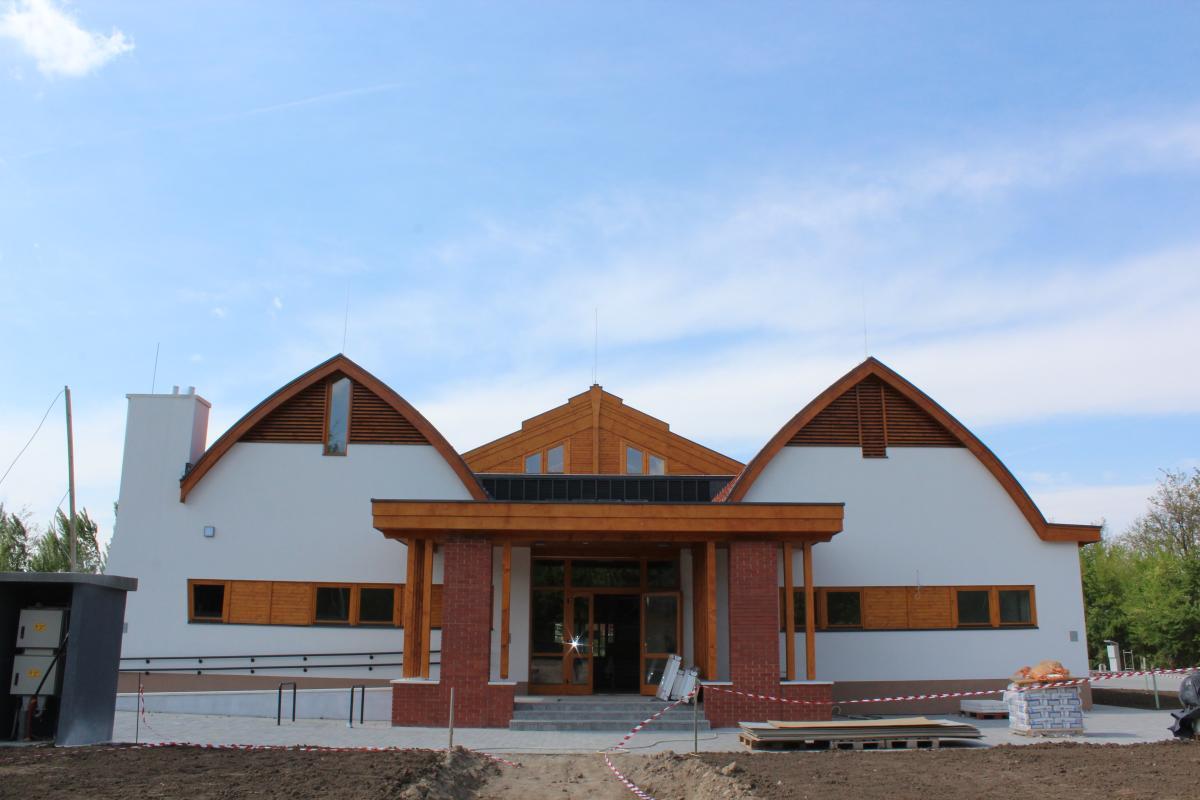 Tolnai tanuszoda építése