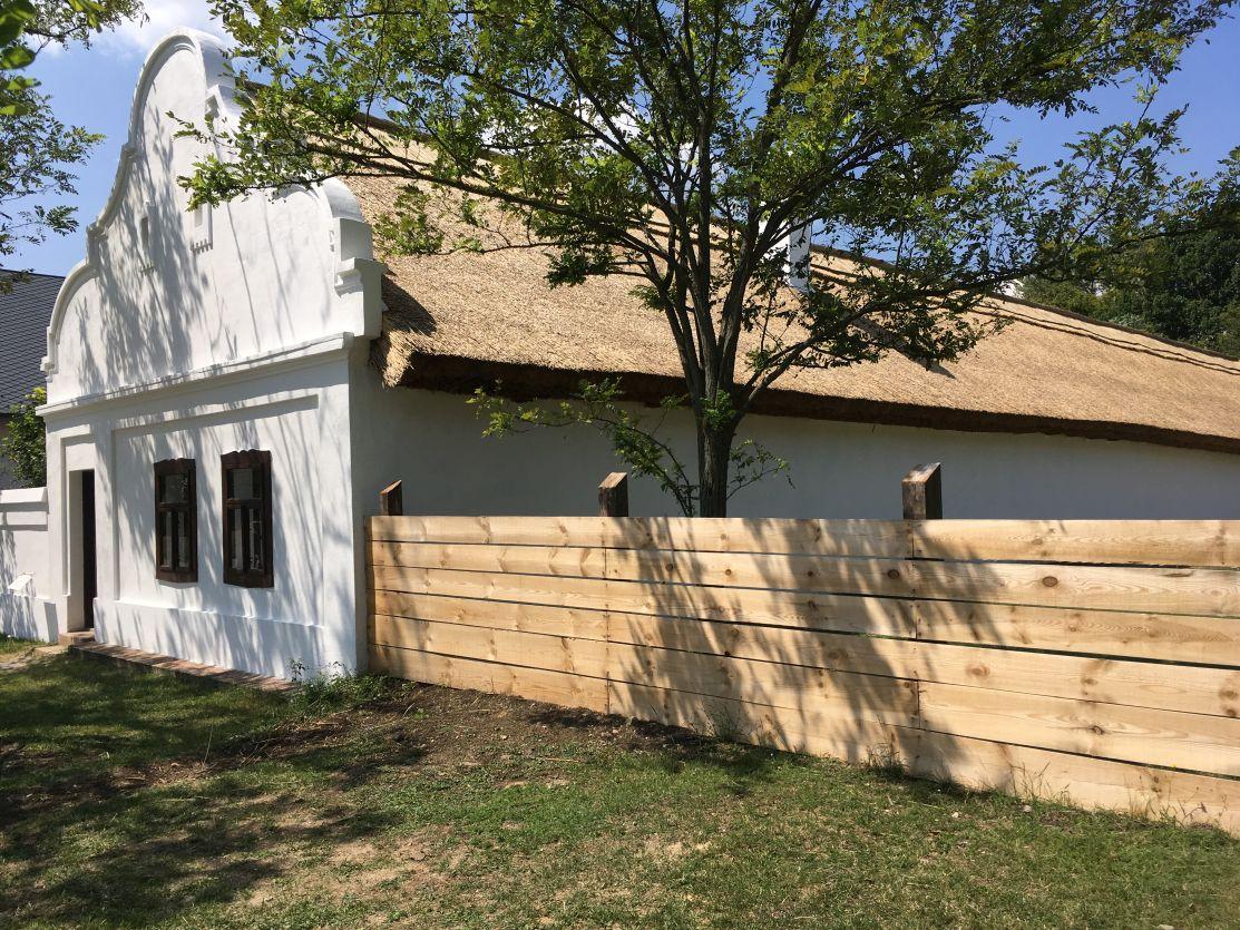 A Szentendrei Skanzen tájházainak rekonstrukciója