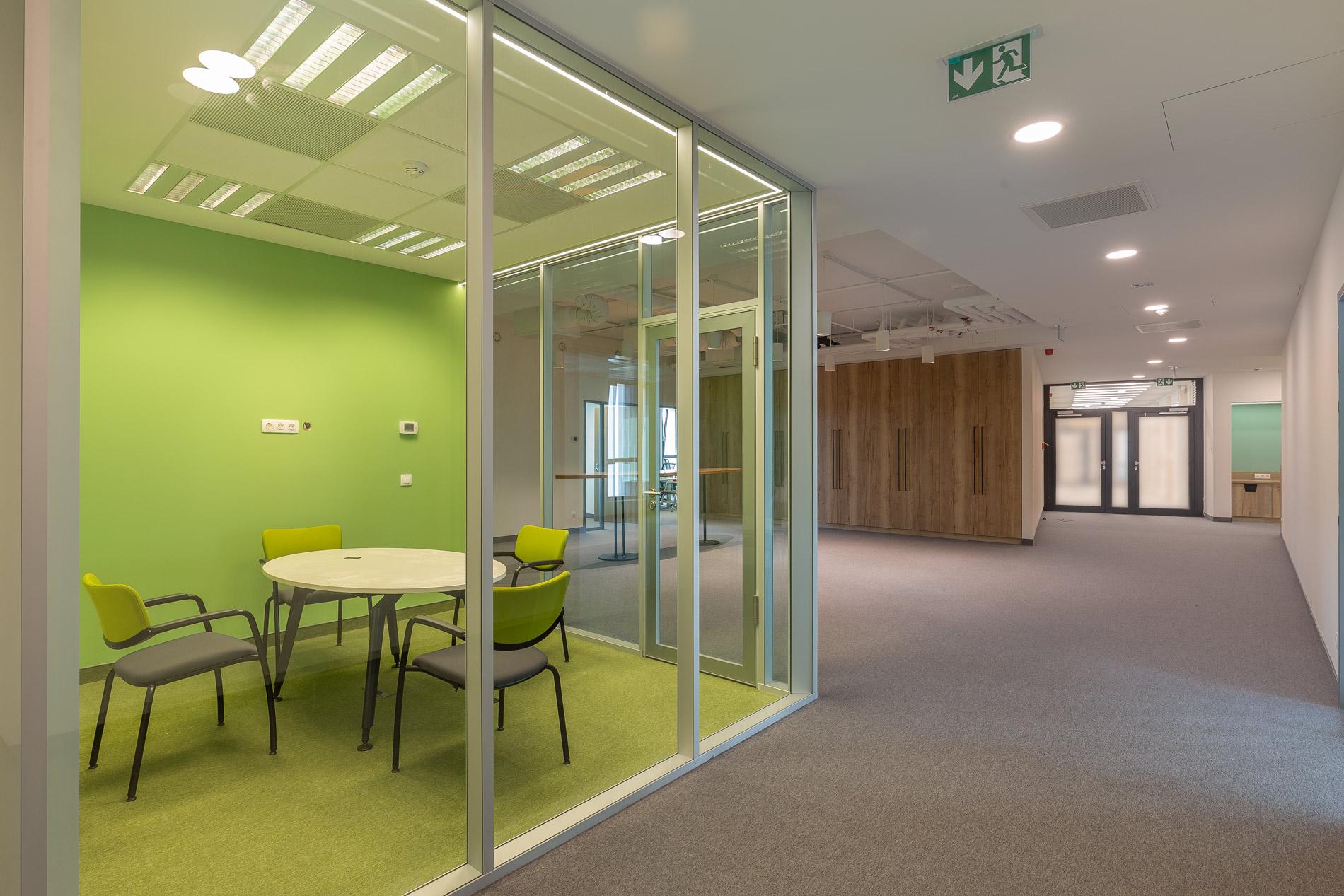 Corvin 5 irodaház belső befejező szakipari, shell and core és fit-out munkálatai