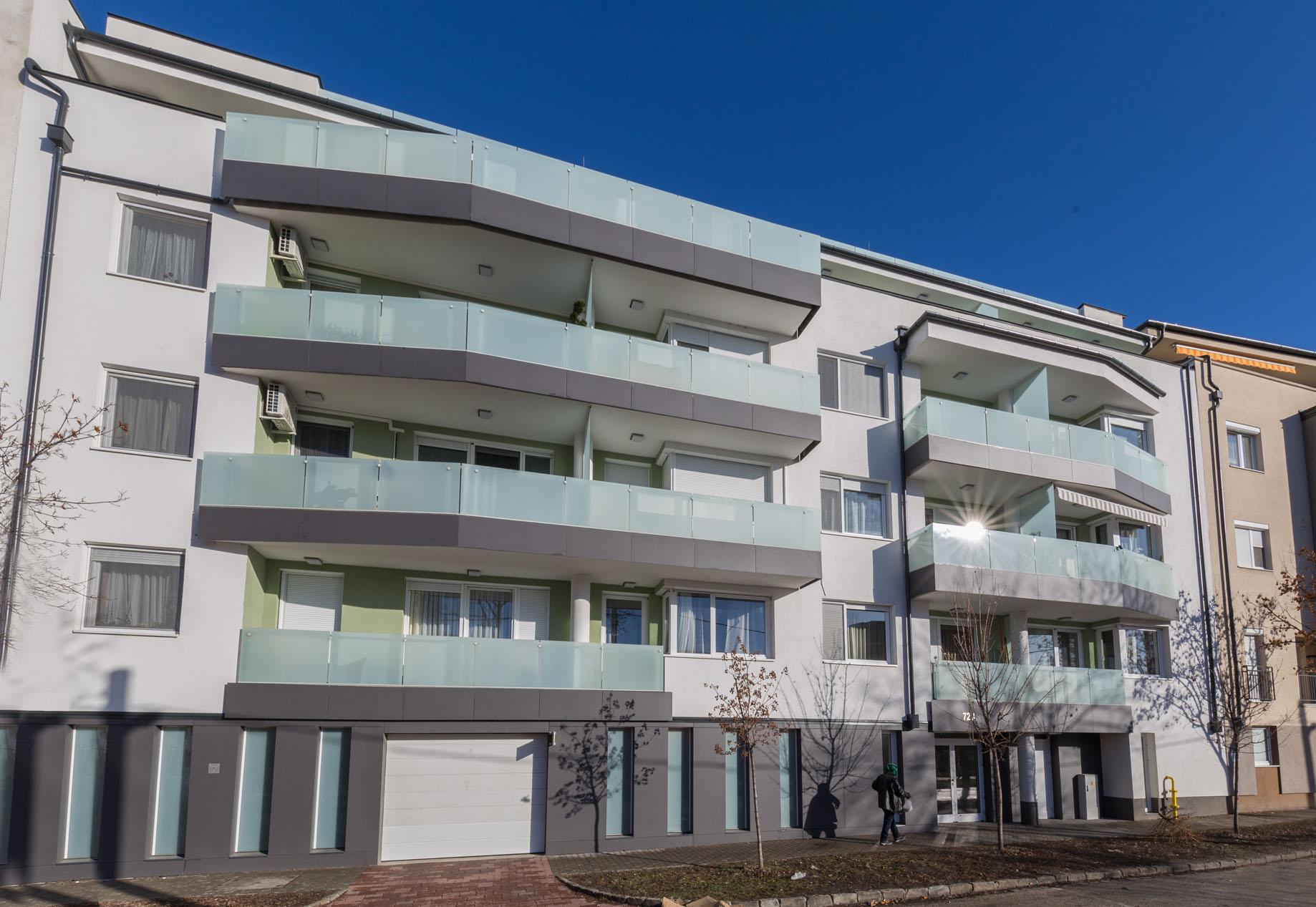 Saját ingatlanfejlesztés keretében egy 6 szintes, 26 lakásos, liftes társasház generálkivitelezését végeztük Angyalföldön, a Fáy utca megújult részében.