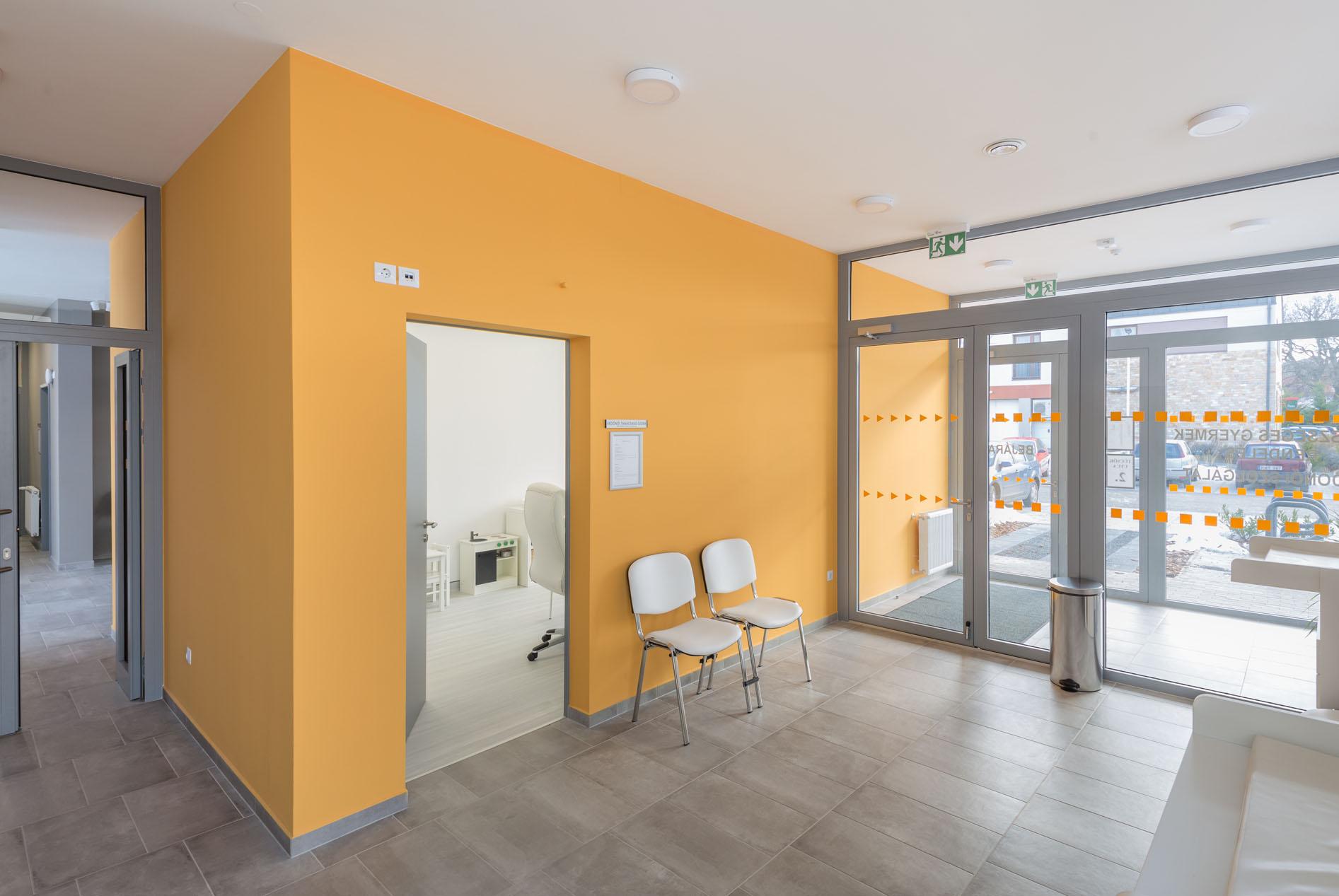 Új orvosi rendelő épületének teljes körű kivitelezése Telkiben