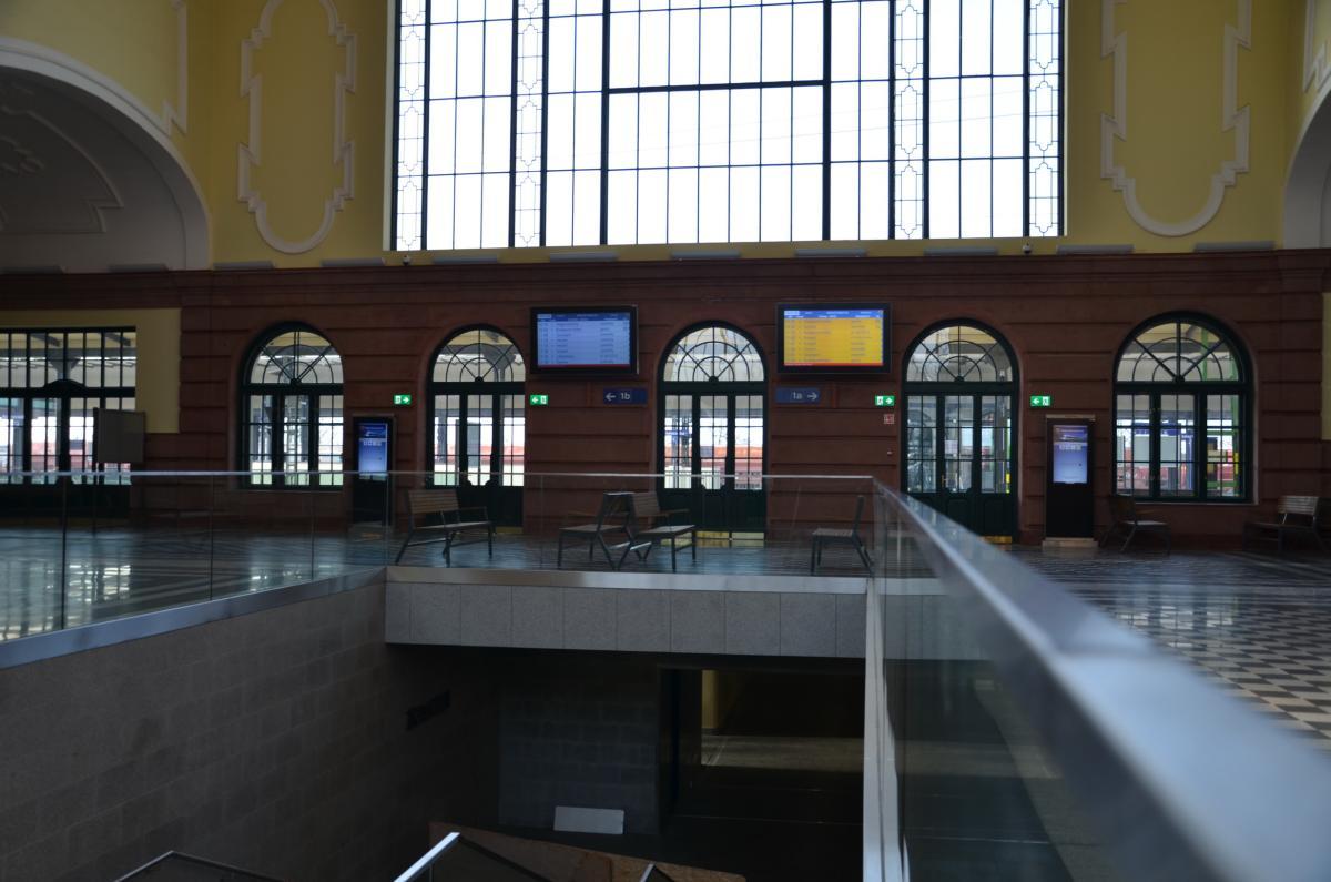 A békéscsabai vasútállomás felújítása-belső terek