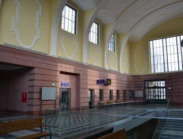 Régi adósság: megújult a békéscsabai vasútállomás