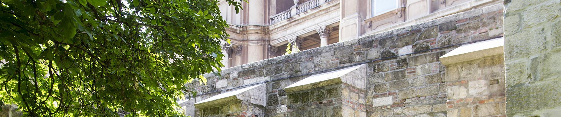 A Budai vár 5. várfalszakaszának felújítási munkái