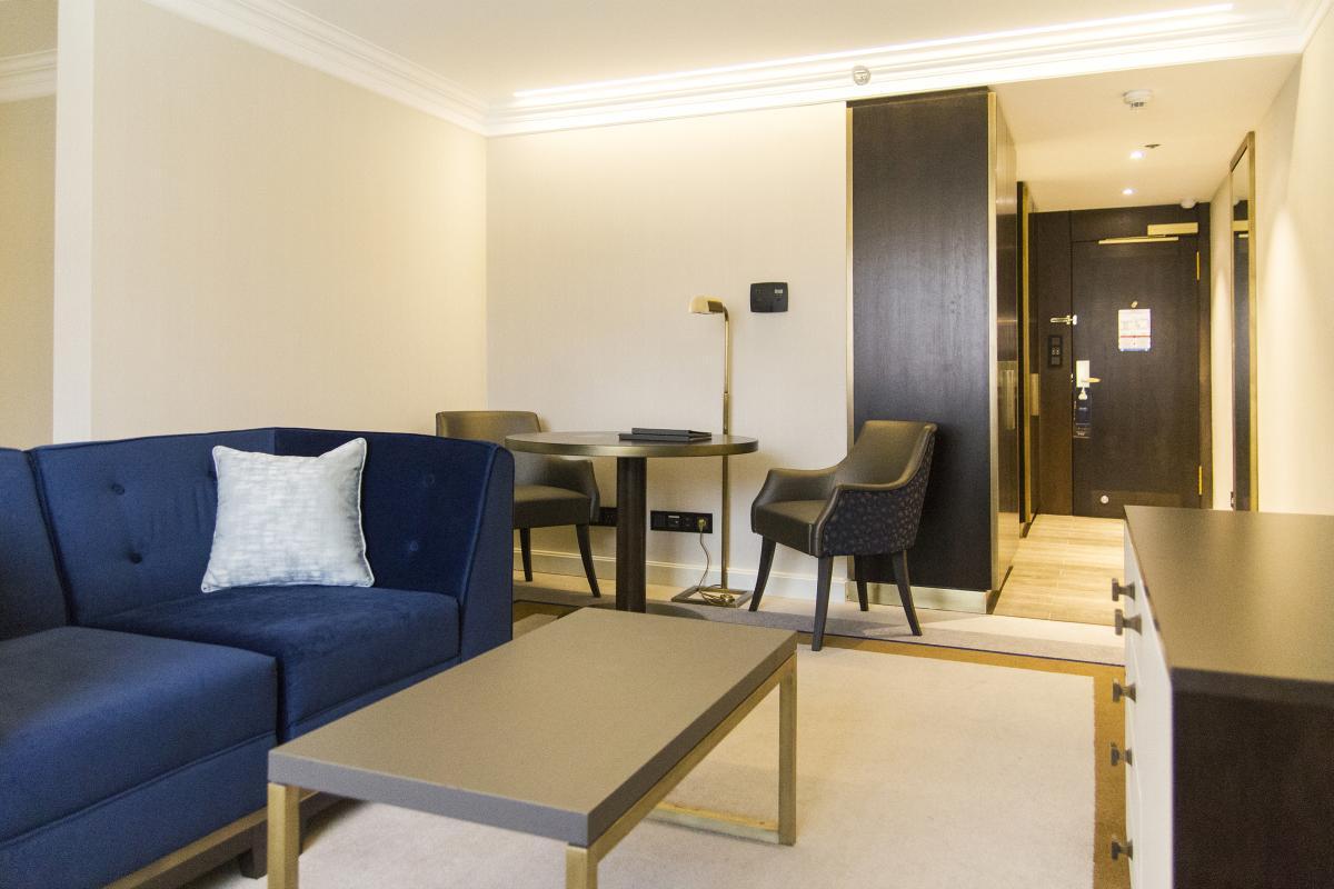 Hilton Budapest teljes északi szárnyának generál-felújítása-szoba