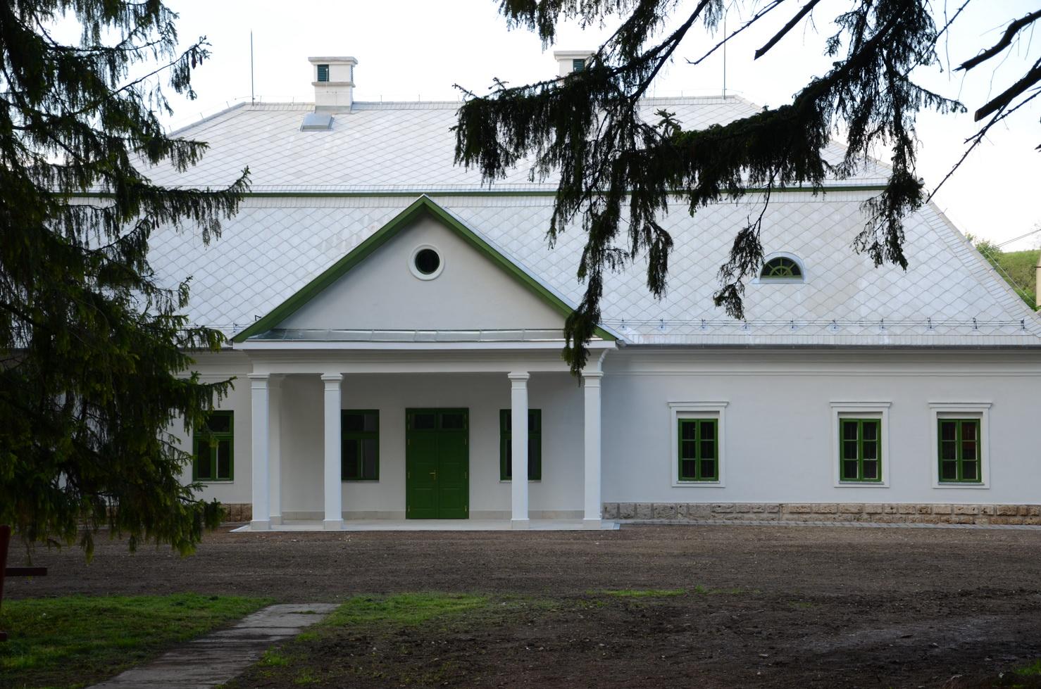 A műemléki védettség alatt álló mónosbéli Szabó-kúria rekonstrukciója