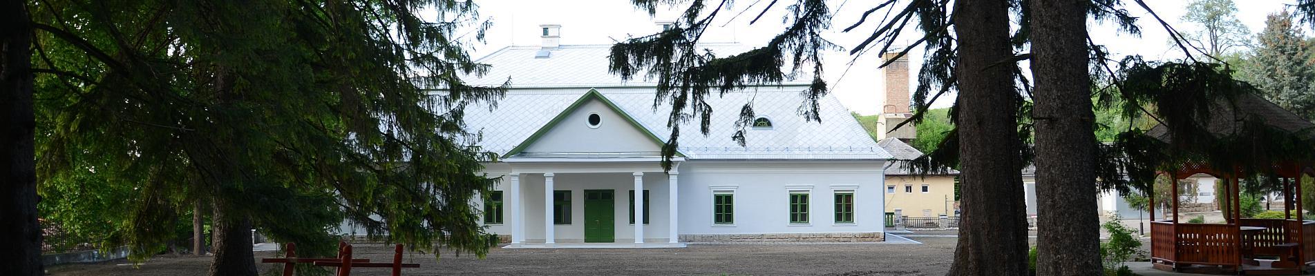 Mónosbéli Szabó-kúria felújítása