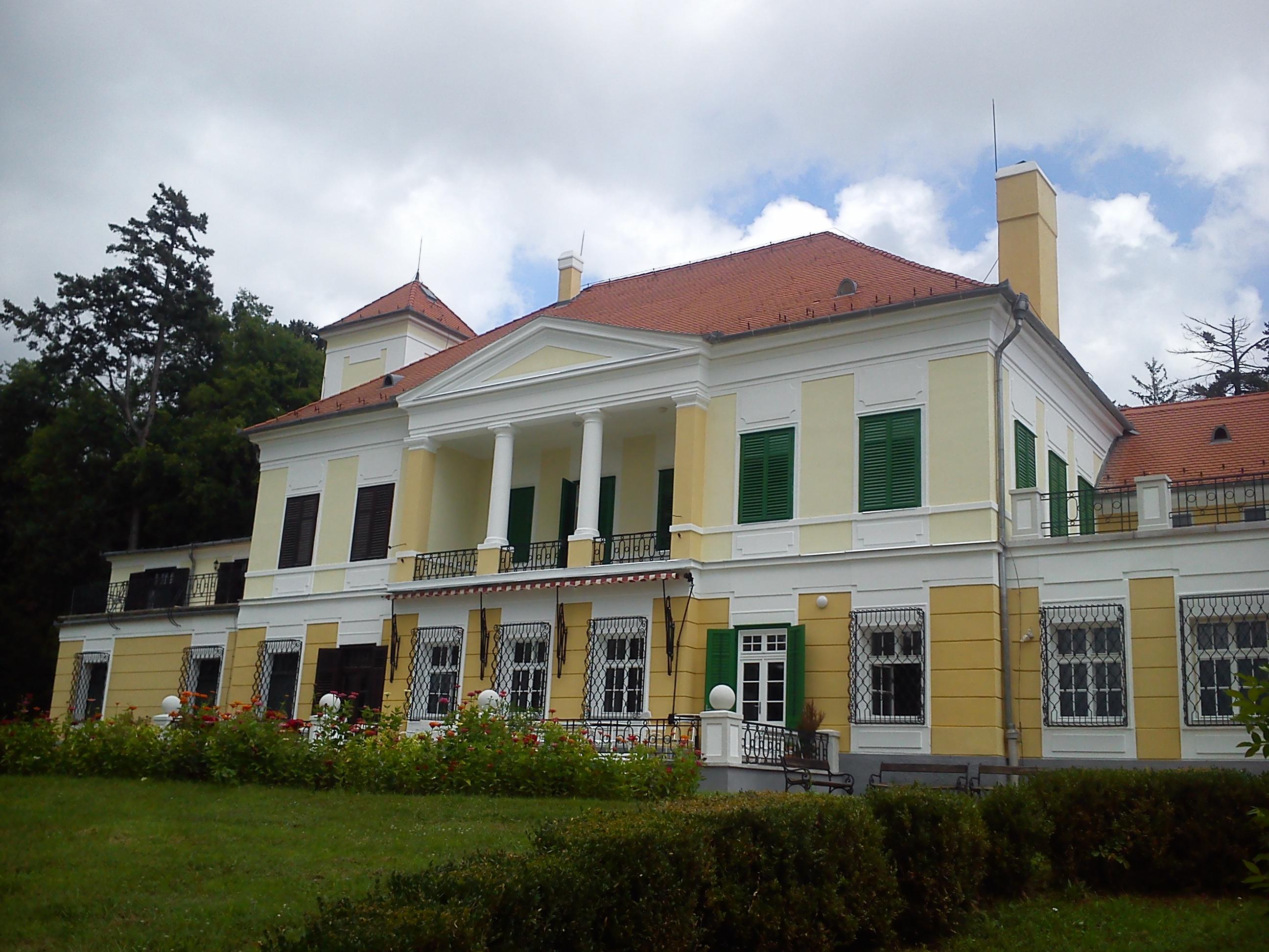 A Szigligeti Alkotóház rekonstrukciója, energetika felújítása